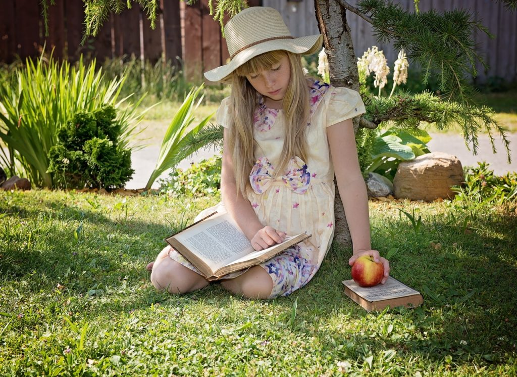 13 Summer Reading Tips to Prevent Summer Brain Drain with your Preschooler